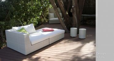 Modelo sofa modular Amore Amore color Blanco 6 Esquina con Pouf y 2 Modelo Blue redondos